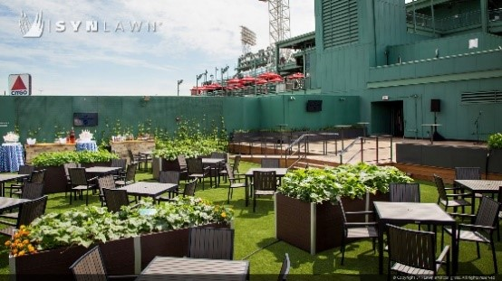 Wholesale artificial grass in a courtyard
